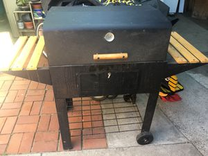 BBQ grill for Sale in San Pablo, CA