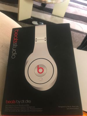 Wireless brand new beats by Dre and Microsoft surface pro for Sale in Tamarac, FL