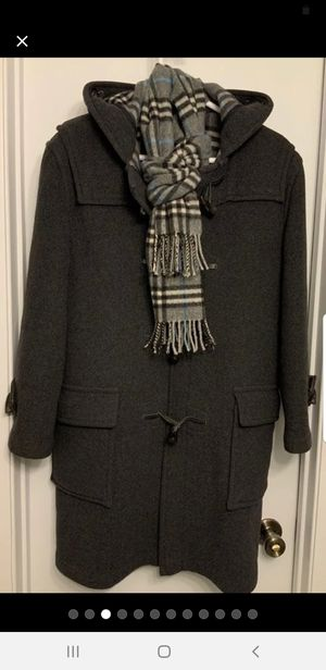 Burberry duffle wool coat size 6 like new for Sale in Bridgeport, CT