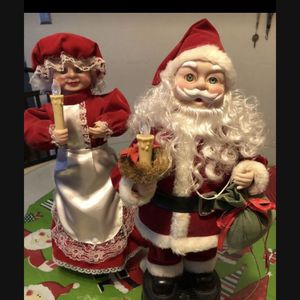 Vintage musical/animated mr and mrs clause price is for set for Sale in Mechanicsburg, PA