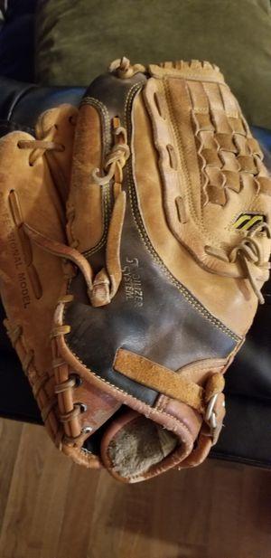 "12.75"" Mizuno left Lefty baseball softball glove broken in for Sale in Norwalk, CA"