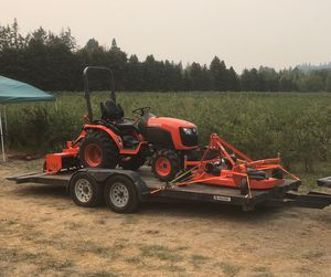 Kubota tractor 4WD for Sale in Portland, OR