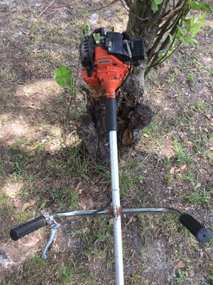 Stihl FS80 make me a offer. Cracked gas tank for Sale in Morrow, GA