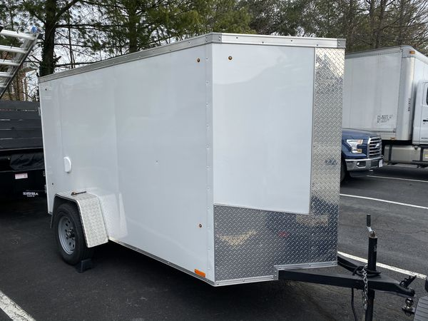 Enclosed trailer 5 x 8 ramp door, 2019 still like new -