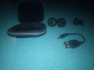 Sentry Bluetooth headphones with accessories for Sale in Brook Park, OH