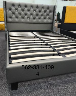 💢QUEEN Brand New Tufted Silver leatherette Bed with Orthopedic Supreme Mattress💢 for Sale in Fresno, CA
