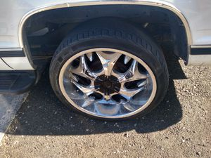 "22"" 6 lug universal wheels for Sale in Las Vegas, NV"