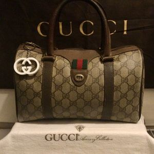 AUTHENTIC GG VINTAGE BAG for Sale in Riverside, CA