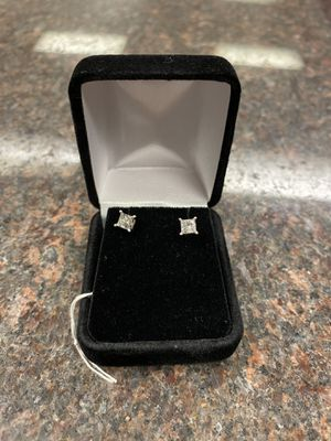 pair diamond stud earrings for Sale in Austin, TX