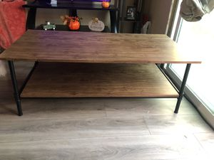 Center table for Sale in Bakersfield, CA