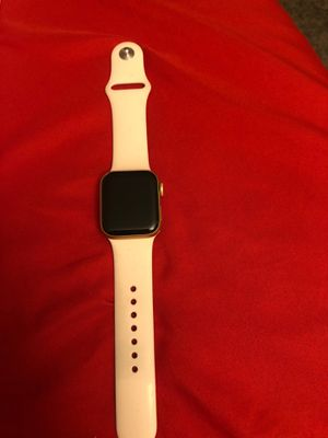Apple Watch series 5 40MM for Sale in Tucson, AZ