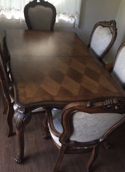 Matthis Brothers Dining Table for Sale in Hacienda Heights,  CA