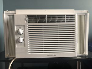 Window Air Conditioner Unit (Frigidaire) for Sale, used for sale  Brooklyn, NY