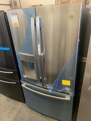 Ge Stainless Steel French Door Refrigerator with Dior in Door for Sale in Tampa, FL