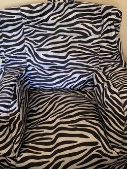 Bug Joe Beanbag Chair & Matching Throws for Sale in Lynnwood,  WA