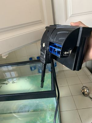 15 gallon fish tank with water filter for Sale in Los Angeles, CA