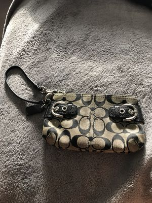 Black coach wristlet for Sale in Pittsburgh, PA
