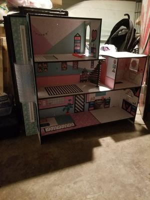 LOL SURPRISE doll house MGA Dollhouse for Sale in Guadalupe, AZ
