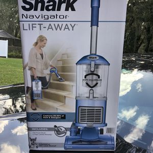 Shark Navigator Lift-Away Upright Vacuum Healthy Home Edition for Sale in Brandon, FL