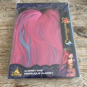 DISNEY STORE DESCENDANTS 3 AUDREY WIG FOR KIDS for Sale in Long Beach, CA