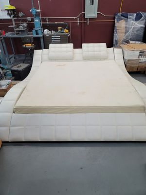 Leather Bedroom set, 2 nightstands and a dresser for Sale in San Jose, CA
