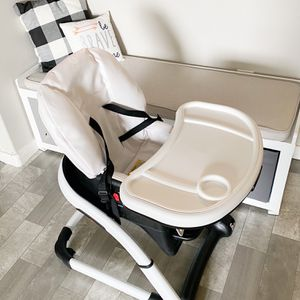 GRACO High Chair. 4-in-1. for Sale in Henderson, NV