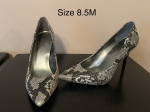 Guess snakeskin print heels for Sale in Walton, KY