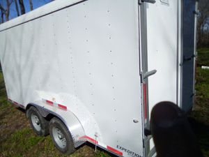16 x 7 enclosed trailer for Sale in Houston, TX