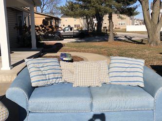 Great Clean Comfy Couch! for Sale in Saint Charles,  MO