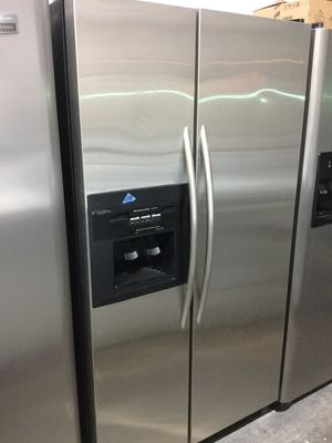 "Kitchen Aid stainless steel refrigerator 36""W in excellent condition plus 6 months warranty for Sale in Pompano Beach, FL"