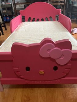 Hello Kitty Bed for Sale in Hawthorne,  CA