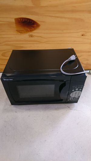 NEW Magic Chef Microwave 700 watts 0.7 cu. ft. for Sale in San Francisco, CA