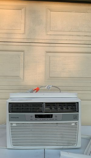 Frigidaire air conditioner 7 months old 18 in x 15 for Sale in Hawaiian Gardens, CA