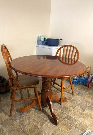 Small dinning table and 2 chairs for Sale in Fife, WA