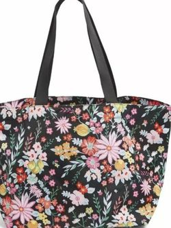 Vera Bradley Large Tote Hand Bag NEW for Sale in Mill Creek,  WA