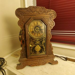 Antique Waterbury Gingerbread Parlor Mantle Clock for Sale in Columbus, OH