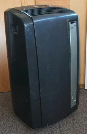 DeLonghi AC + Heater 12,500 BTU Portable Air Conditioner + A/C window kit, hose- for Sale in Vista, CA