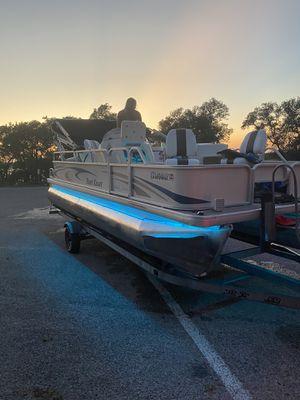 Partí Kraft pontoon boat for Sale in San Marcos, TX