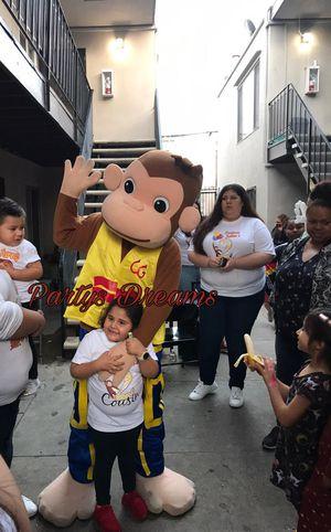 Trolls, mickey, y muchos más! for Sale in Los Angeles, CA