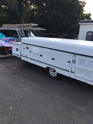 1999 Coleman Fleetwood popup Camper for Sale in East Providence, RI