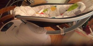 4 moms mamaroo swing for Sale in Dale, TX