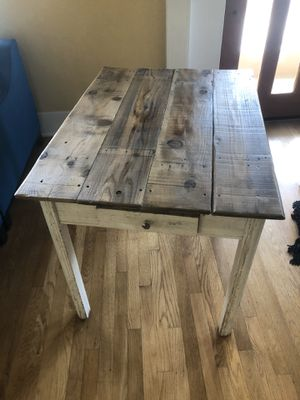 Beautiful distressed farm table, 39x29 for Sale in San Diego, CA