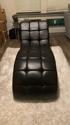 Black leather chaise for Sale in Durham, NC