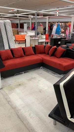 new sectional furniture with pillows included for Sale in Miami, FL