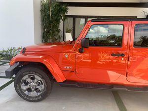 2018 Jeep Wrangler sahara for Sale in Miami, FL