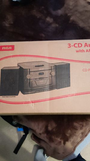 3-CD Audio System with AM/FM Stereo Radio w/aux cord for Sale in Long Beach, CA