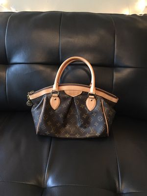 Louis Vuitton Tivoli Pm bag for Sale in Cleveland, OH