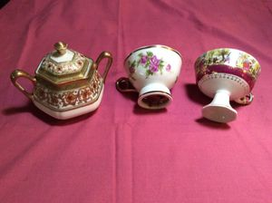 Antique sugar bowl & tea cups ( one plays music) for Sale in Sacramento, CA