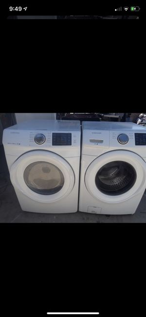 Like new conditions set of washer and electric dryer Samsung for Sale in Fresno, CA