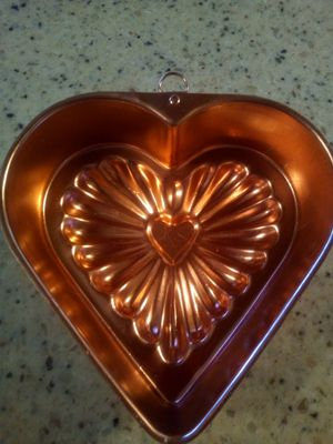Vintage copper heart jello mold/7x7 inch/ hanging decoration or use for jello/3 cup capacity for Sale in Taylor, MI